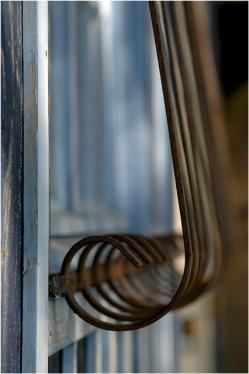 BLOG-DSC_0996-grille cabane bleue Biganos