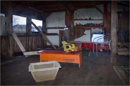 BLOG-DSC_01434-intérieur cabane abandonnée canalot la Teste