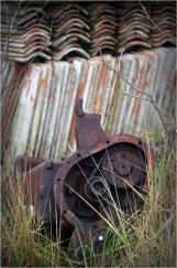 BLOG-DSC_01444-vieille machine et tuiles à chauler