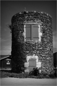 BLOG-DSC_05830-moulin port Larros N&B