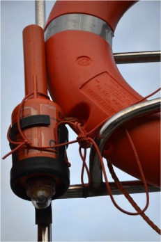 BLOG-DSC_10205-bouée et lampe vedette SNSM