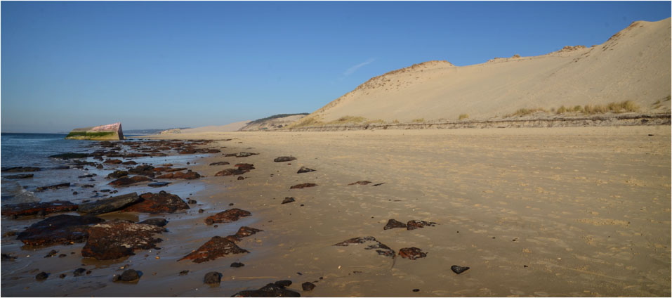 BLOG-DSC_12377-rochers plage dunes et blockhaus Gaillouneys