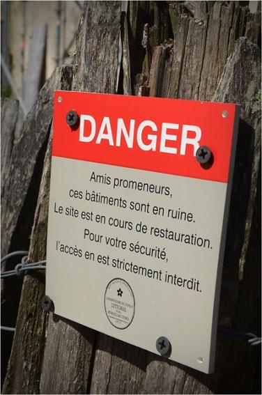 BLOG-DSC_15708-panneau conservatoire du littoral danger ruine château Certes Août 2012 B