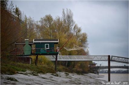 BLOG-DSC_17896-cabane, ponton port Garonne et pont d'Arcins