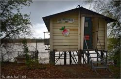 BLOG-DSC_17915-cabane au beau bar Rives d'Arcins Garonne