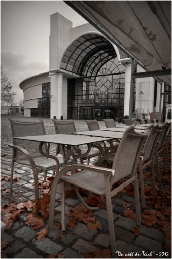 BLOG-DSC_18007-terrasse café esplanade CC Rives d'Arcins