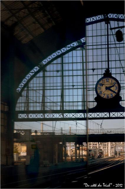 BLOG-DSC_18060-pendule gare Bordeaux St Jean  et reflet