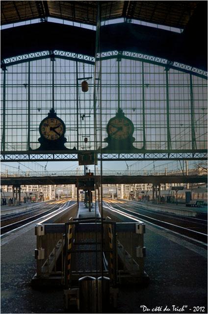 BLOG-DSC_18066-quai et reflet pendule gare Bordeaux St Jean