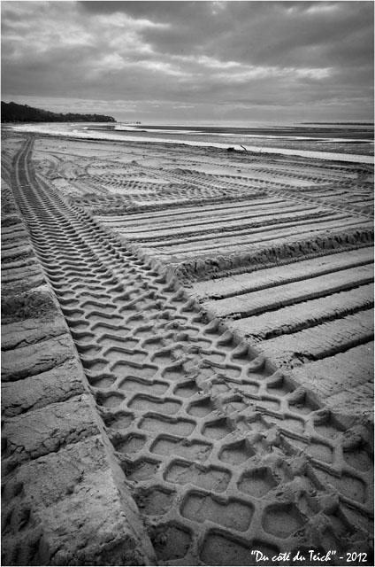 BLOG-DSC_18371-nettoyage mécanique plage Péreire face jetée le Moulleau Décembre 2012