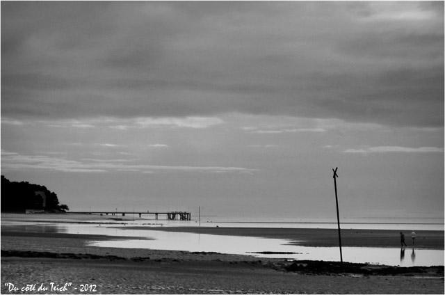 BLOG-DSC_18377-plage Péreire, jetée le Moulleau et pointe Cap-Ferret N&B