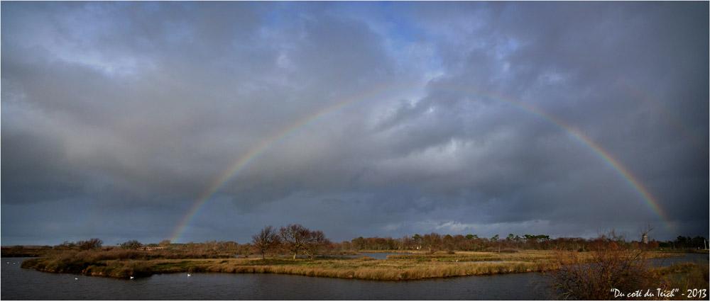 BLOG-DSC_18675-76-arc en ciel 1er Janvier 2013 et Graveyron et château d'eau Audenge