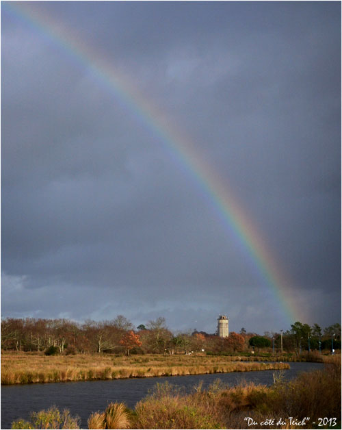 BLOG-DSC_18677-arc-en-ciel château d'eau Audenge 1er Janvier 2013
