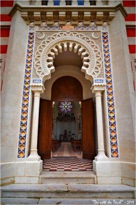 BLOG-DSC_19056-entrée chapelle villa algérienne ND du Cap à l'Herbe