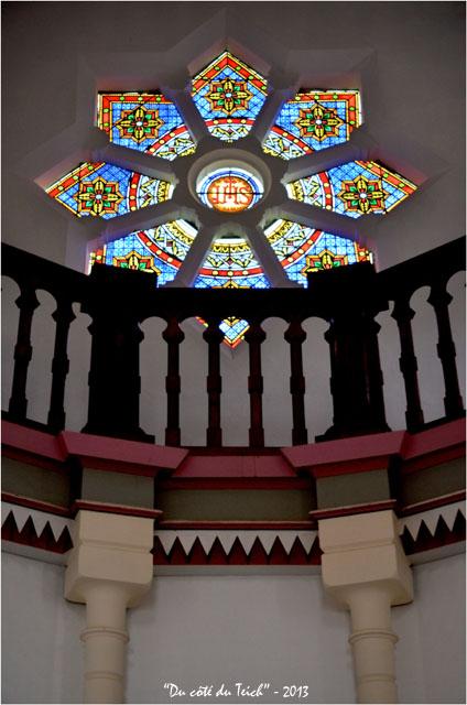 BLOG-DSC_19079-vitrail chapelle villa algérienne  ND du Cap à l'Herbe