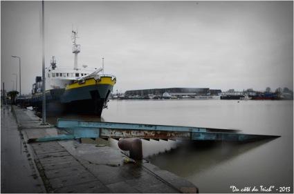 "Autres images de ""la Vendée"" :https://ducoteduteich2.wordpress.com/2010/04/18/bassins-a-flot-la-vendee-a-quai/"