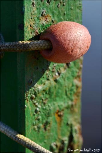 BLOG-DSC_19664-flotteur et poutre métal quai port Arès