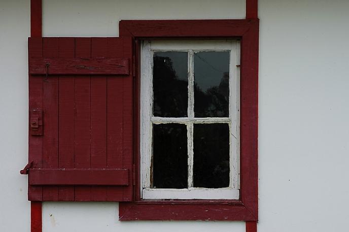 CP-DSC_2807-fenêtre rouge les Jacquets