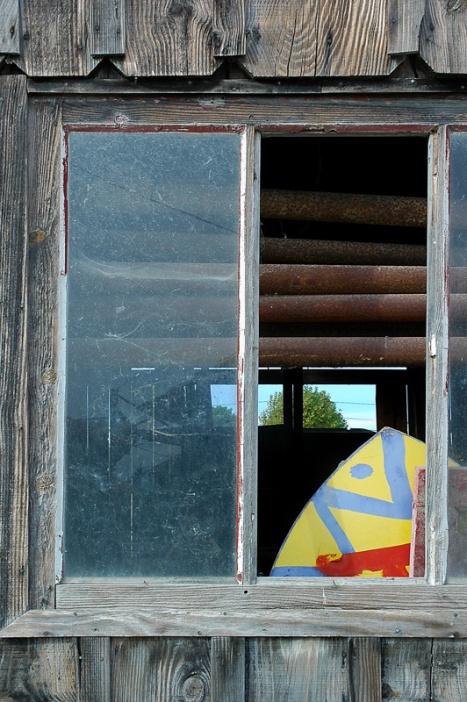 CP-DSC_3025-fenêtre & planche surf