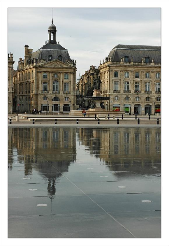 CP-DSC_3555-Reflet fontaine bourse