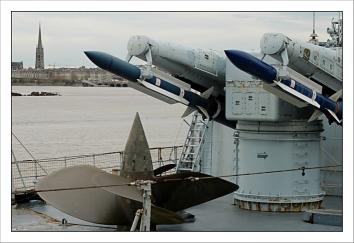 CP-DSC_3707-missile & quais