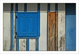 CP-DSC_5419-cabane volet bleu