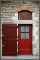 CP-DSC_7238-porte rouge & mur de brique