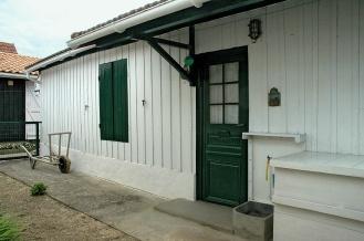 CP-DSC_7592-façade blanche volets verts