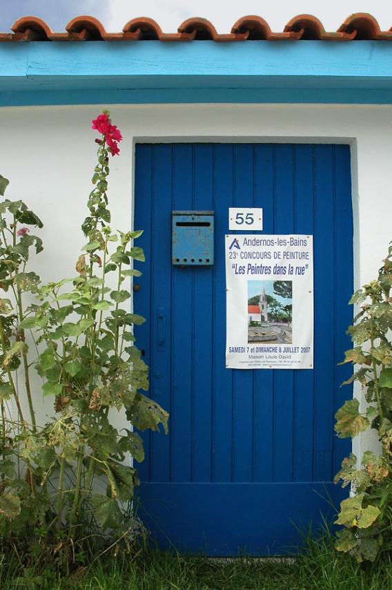 CP-DSC_7961-porte bleue & affiche peintre
