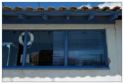 CP-DSC_8148-fenêtre, store & bouée bleue
