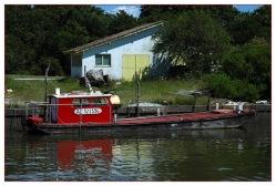 CP-DSC_8179-plate rouge à quai & cabane jaune