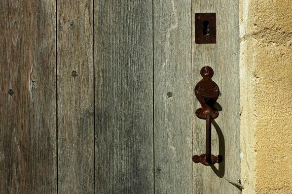 CP-DSC_9340-porte bois brut & mur ocre