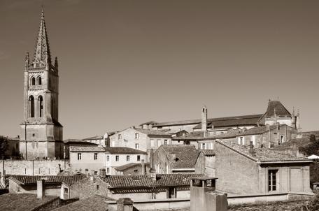 CP-DSC_9378-clocher & toits sépia