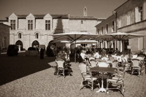 CP-DSC_9450-terrasses cafés sur place sépia