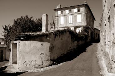 CP-DSC_9493-angle de rue & clocher sépia