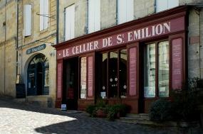 CP-DSC_9500-bouchon & cellier de St Emilion