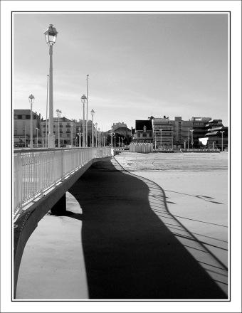 CP-IMG_3197-jetée, ombre & front de mer N&B