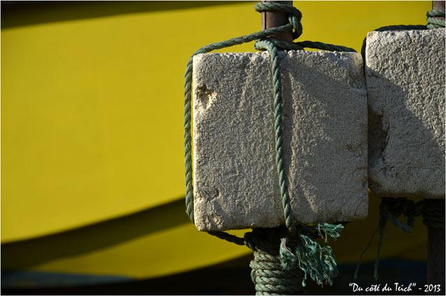 BLOG-DSC_19851-flotteurs balises et coque jaune