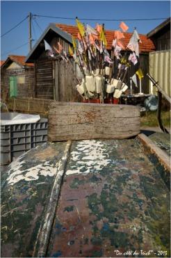 BLOG-DSC_19865-barque balises et cabanes port la Teste