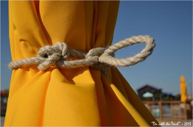 BLOG-DSC_21133-noeud parasol terrasse la baraque à huitres port Larros