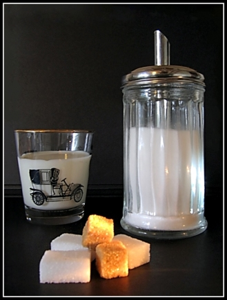 CP-IMG_6578-verseuse sucre, verre de lait 2
