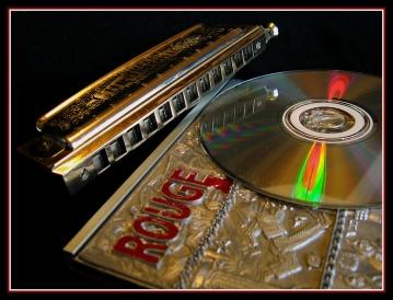 CP-IMG_6667-Rouge, CD & harmonica