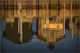 BLOG-DSC_01727-bouée et reflets cabanes Larros