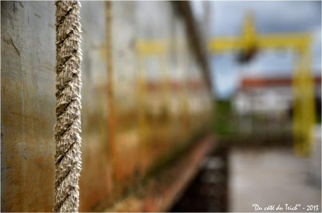 BLOG-DSC_21389-corde et reflet portique plate ostréicole l'Embellie