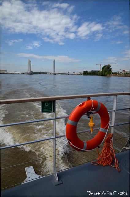 BLOG-DSC_21697-sillage green-boat Dubourdieu BATCUB et pont Chaban-Delmas