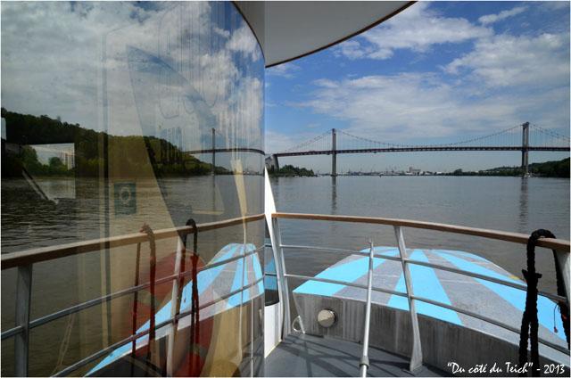 BLOG-DSC_21712-green-boat Dubourdieu BATCUB et pont d'Aquitaine