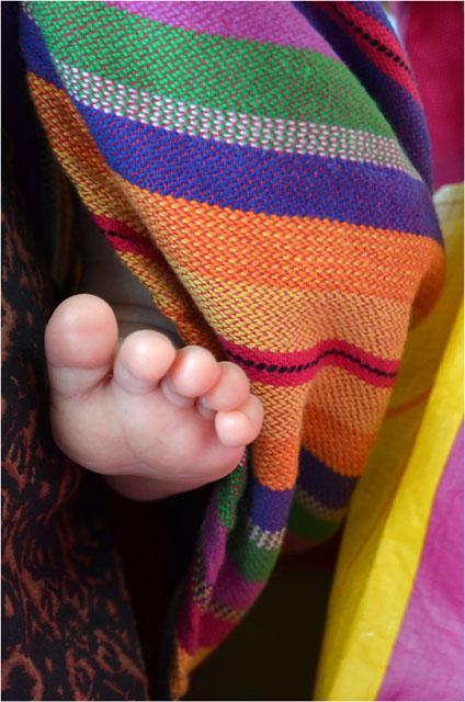 BLOG-DSC_23132-orteils bébé en sac 1