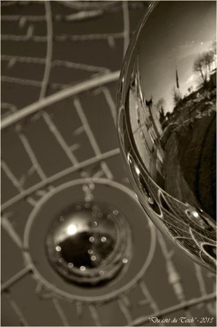 BLOG-DSC_18983-sapin de Noël mairie la Teste janvier 2013 sépia