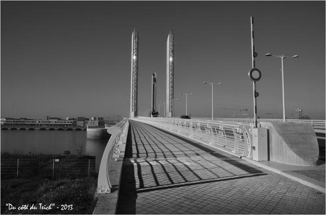 BLOG-DSC_26188-pont Chaban-Delmas Bacalan-Bastide N&B
