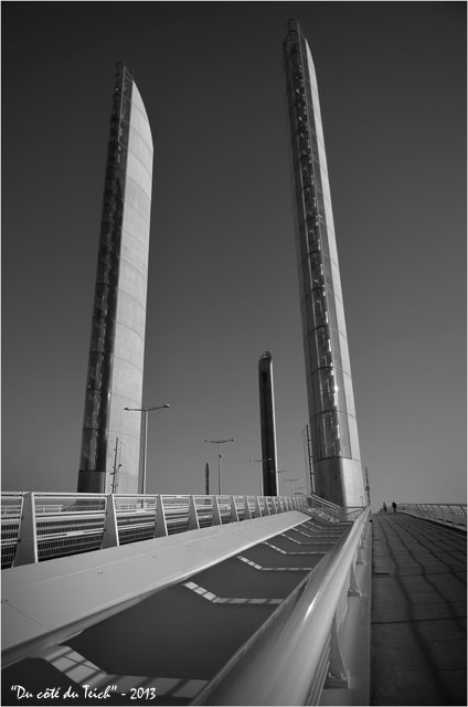 BLOG-DSC_26204-pont Chaban-Delmas Bacalan-Bastide N&B
