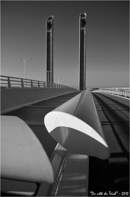 BLOG-DSC_26224-pont Chaban-Delmas Bacalan-Bastide N&B